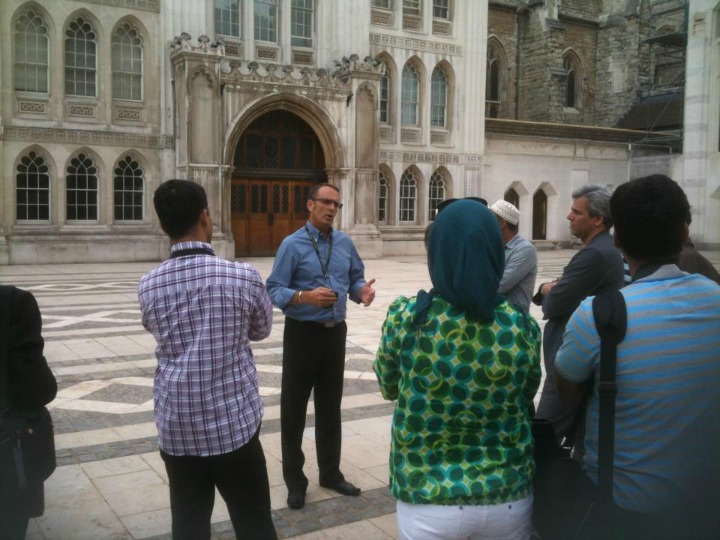 BCHT Guide Dave Cannell seen here making a spotless Presentation of the 600 year old Guildhall to his group of visitors from Dubai - it was perfect
